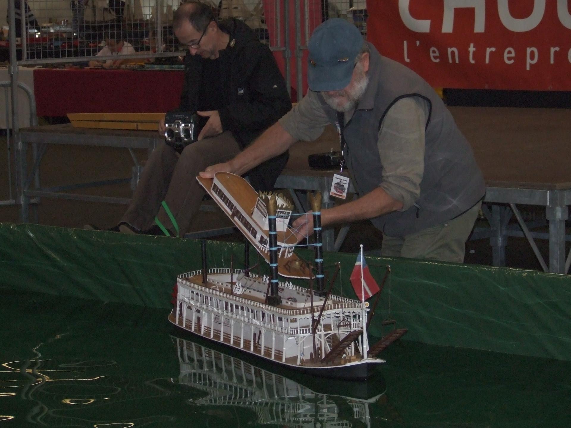 gilbert et son bateau a roue
