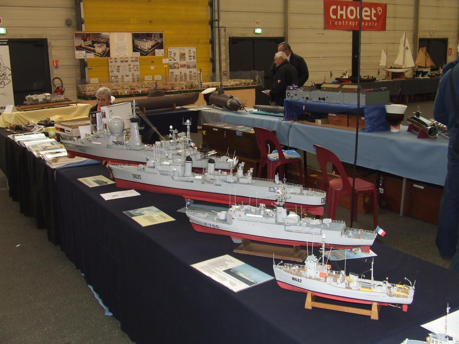 bateaux de guerre